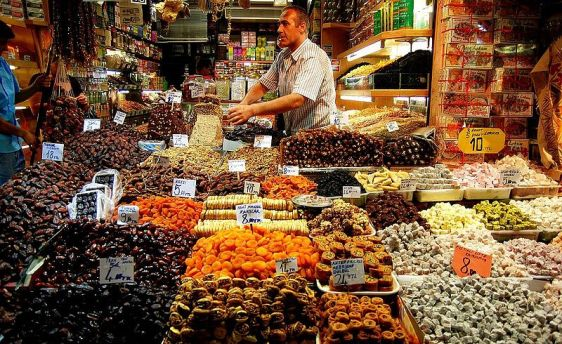 Istanbul_spice_bazaar_02